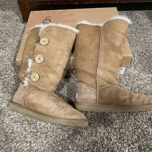 Ugg Bailey triplet button boots
